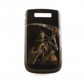 Coque noire pour Blackberry 9800 Torch tete de mort faucille + film protection ecran offert