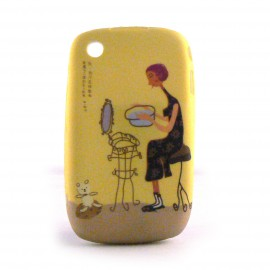 Coque silicone jaune dame et son ourson Blackberry 8520 curve+ film protection ecran offert